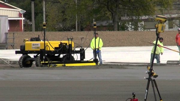 Concrete Paving: Screeding 105,000 Sq. Ft. (9,800 M2) In 3 Days With Topcon 3D MmGPS System